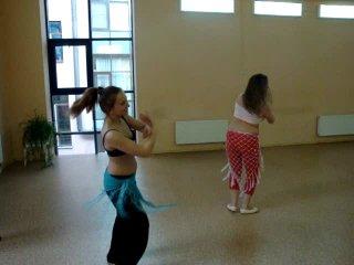 Уроки танца живота под живую дарбуку.